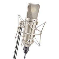 Neumann U 67 in Shock Mount
