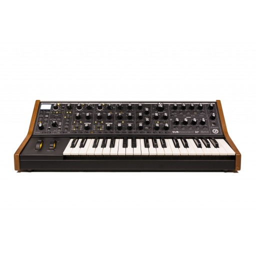 Moog Subsequent 37 front