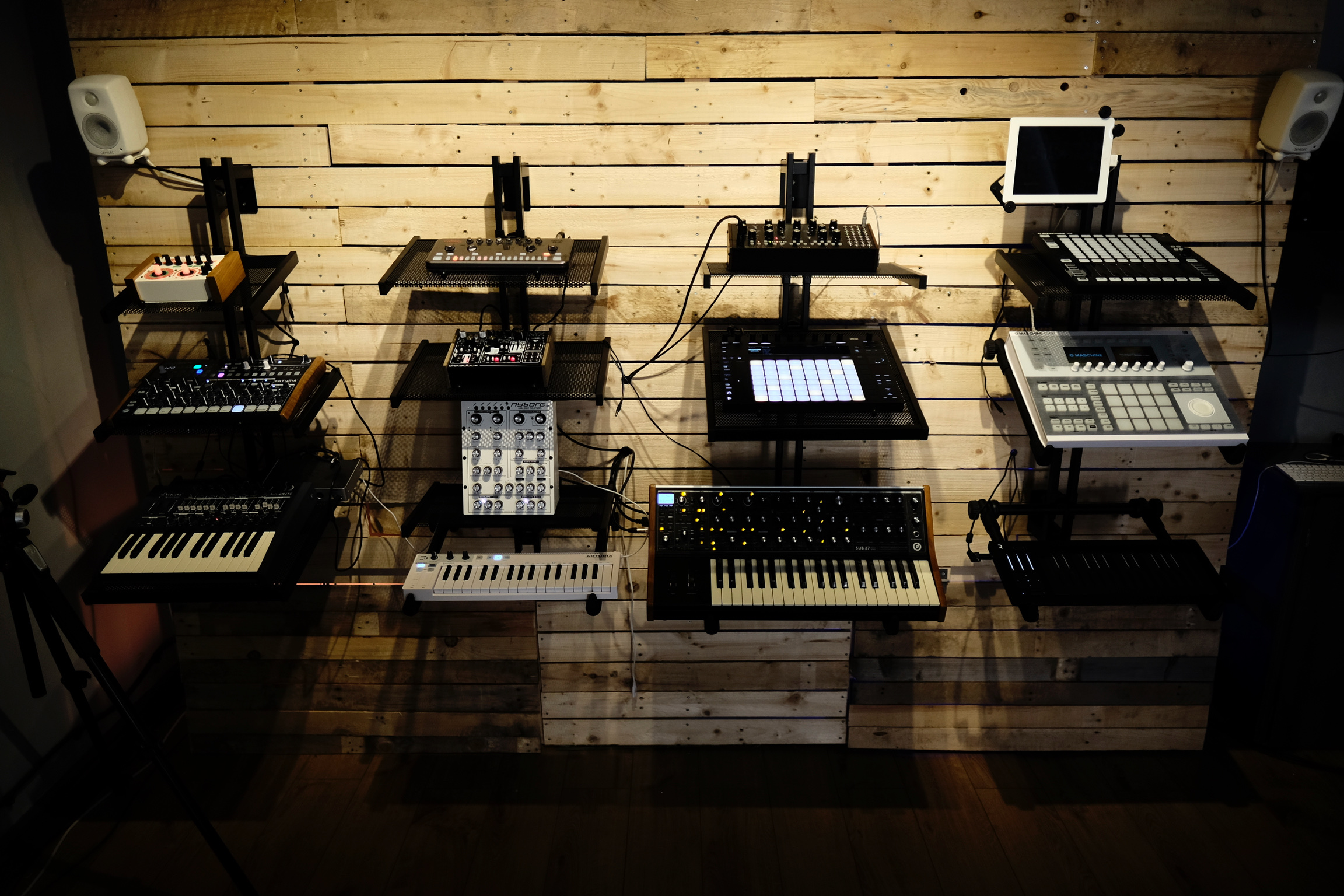 Synth Wall